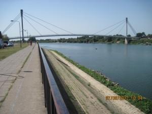 Reka Sava i most Sv. Irineja