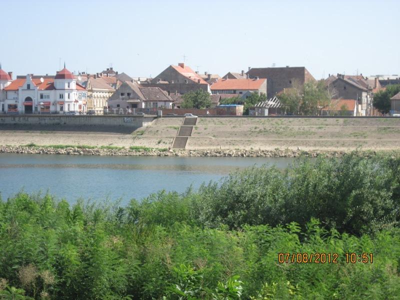 Reka Sava i grad Sremska Mitrovica